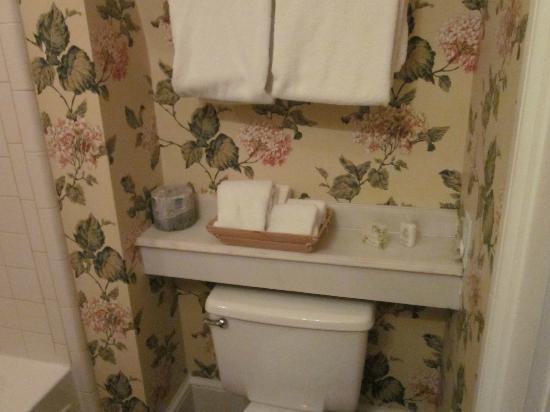 Barksdale House Inn: Salle de bains