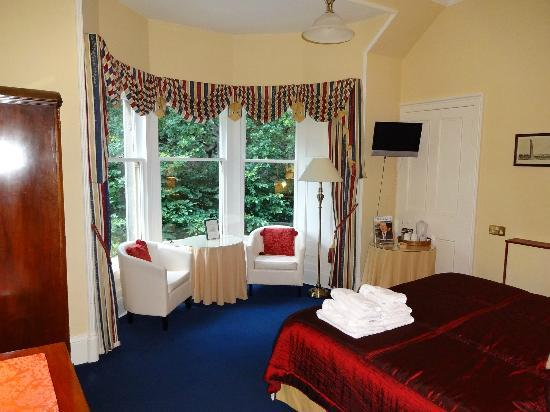 The Cluny Bank Hotel: Room