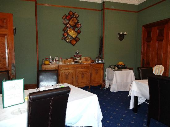 The Cluny Bank Hotel: Breakfast Room