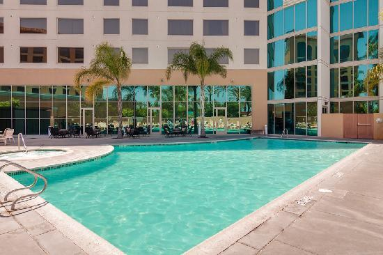 Anaheim Marriott Suites: Pool