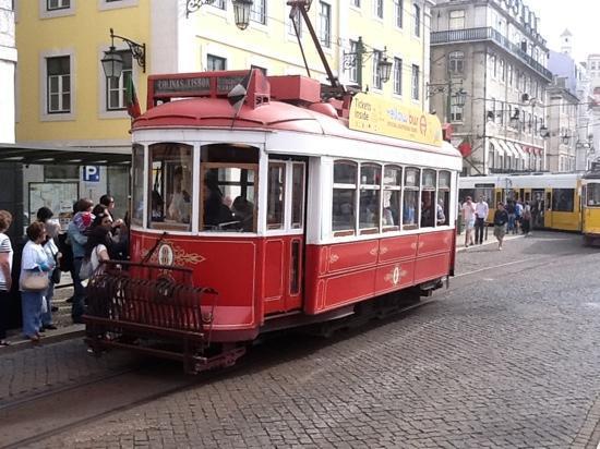Hotel Lisboa Tejo: l'electrico a 200 m de l'hotel