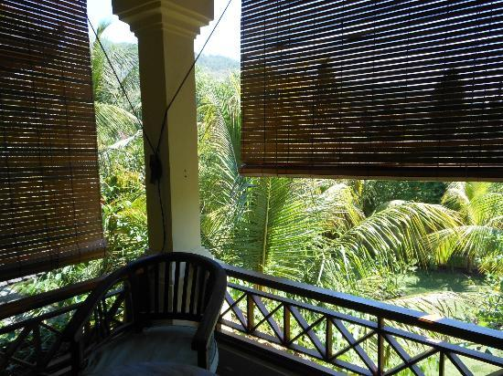 Arya Amed Beach Resort: terrazzo