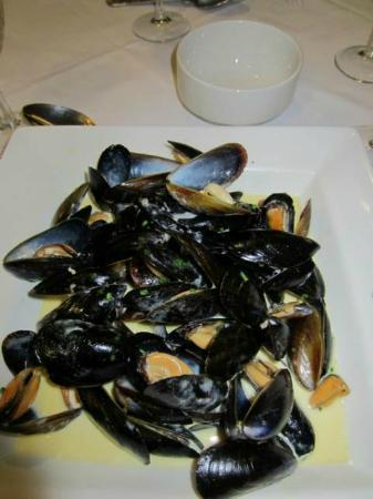 Tewkesbury Park: Mussels (this was too greasy)