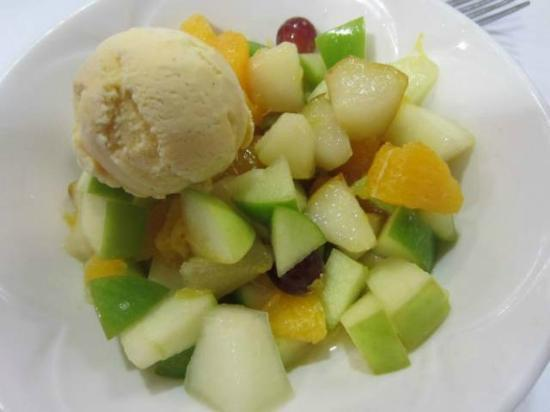Tewkesbury Park: Fruit dessert - a safe choice