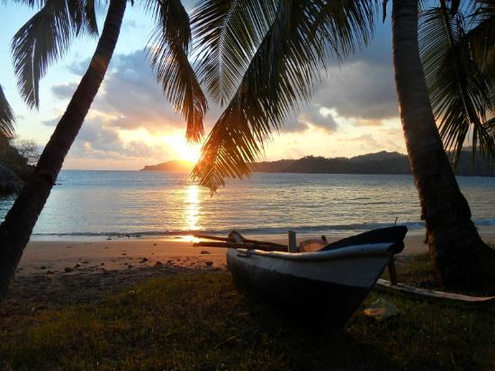 Moheli, Κομόρες: tramonto in spiaggia