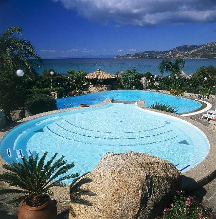 Hotel Stella Maris: Swimming Pool towards beach