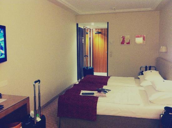 Hotel Das Tigra: Chambre, vu de la fenêtre