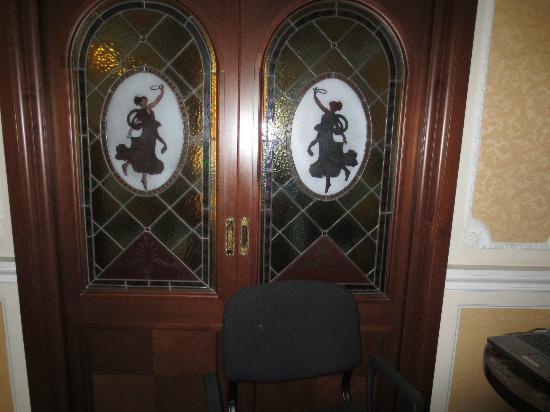 Hotel Dei Consoli: nice doors