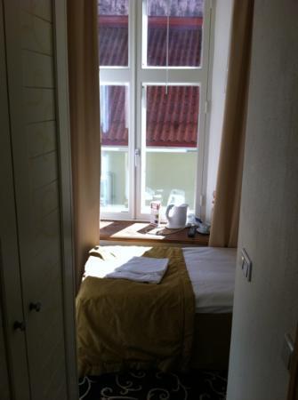 Meriton Old Town Garden Hotel: room