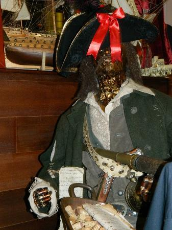Ciao Roma: Another pirate!
