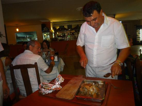 Butterfly Restaurant: leg of lamb for two pre ordered the day before.