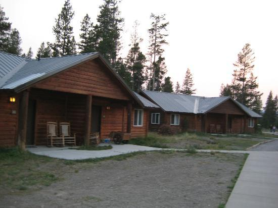 Back porch of deluxe cabin picture of headwaters lodge for Headwaters cabins gran teton recensioni