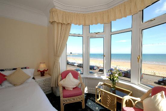 The Seacourt Hotel: Seaview room
