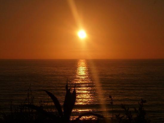 Areia Branca Beach Hostel: Sunset