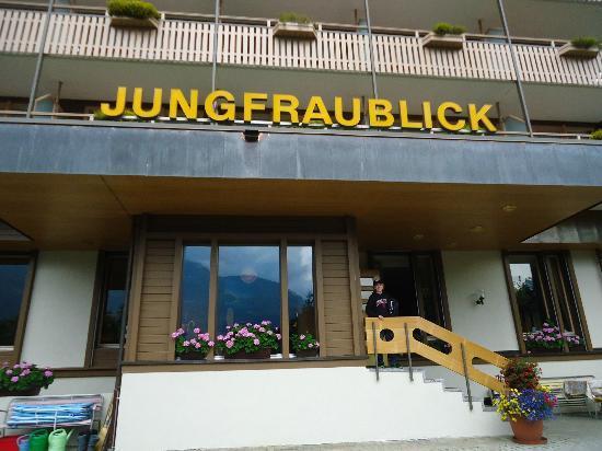 Hotel Jungfraublick Wengen: Hotel outside