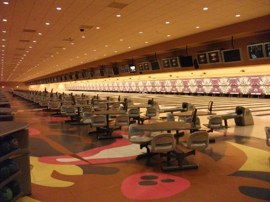 Sunset Station Hotel and Casino: bowling alley