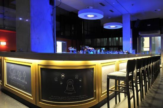 Jet set praha recenze restaurace tripadvisor - Bar le central ...