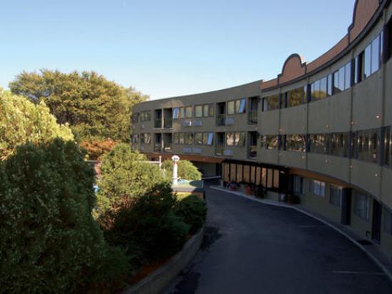 Coast Penticton Hotel: Exterior