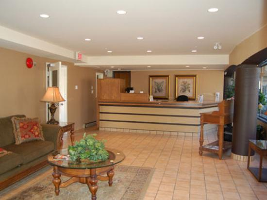 Coast Penticton Hotel: Lobby