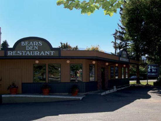Coast Penticton Hotel: Bears Den Restaurant