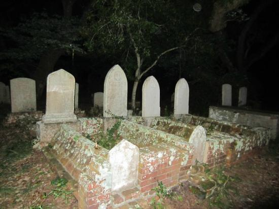 Beaufort Ghost Walk : Old Burying Ground,