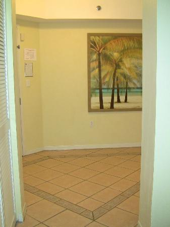 Wyndham Royal Vista: entryway in rm 7712