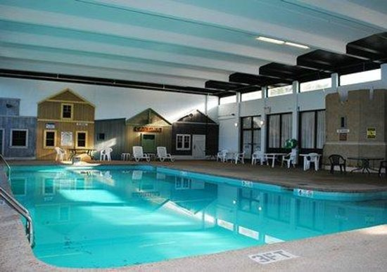 Mystic River Inn: Indoor Heated Pool