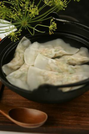 Kanoyama: Sui Gyoza (home made shrimp gyoza in hot pot)