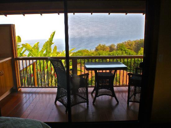 Haleakala Bed and Breakfast: Private Lanai Balcony