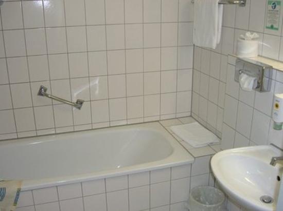 Akzent Stadthotel Heilbronn: Bathroom View