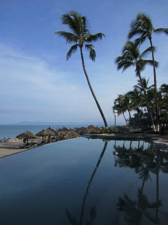 Hyatt Ziva Puerto Vallarta: More view from the infinity Adult Only pool