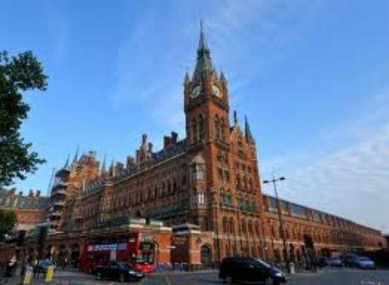 St. Pancras International Station: St.Pancras Renaissance Hotel and Chambers!