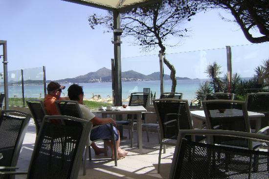 Iberostar Playa de Muro Village: Bar