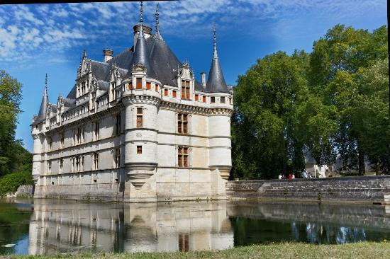 le ch teau de face picture of chateau of azay le rideau azay le rideau tripadvisor. Black Bedroom Furniture Sets. Home Design Ideas