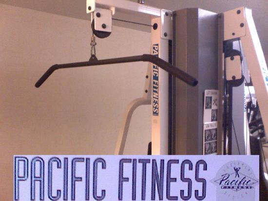 Quality Inn: Pacific Fitness pull down