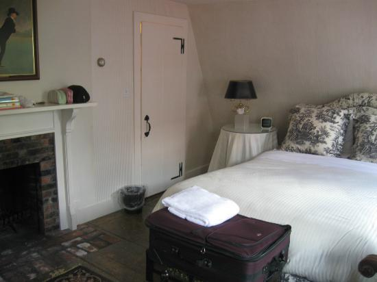 The Clarkeston: Ezra Stiles room