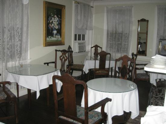 The Clarkeston: breakfast room