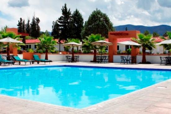 Pool image garden express saltillo tripadvisor for Gardening express reviews