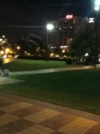 DoubleTree by Hilton Hotel Atlanta Downtown: View from Park of CNN Building