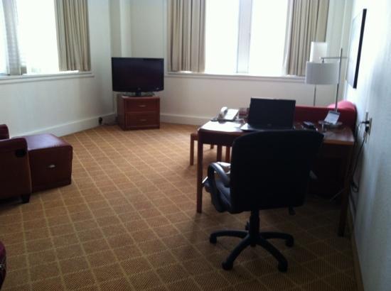 Residence Inn Hartford Downtown: Icky Living Room