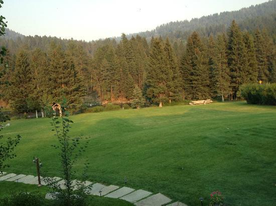 Rainbow Ranch Lodge Restaurant : View from table