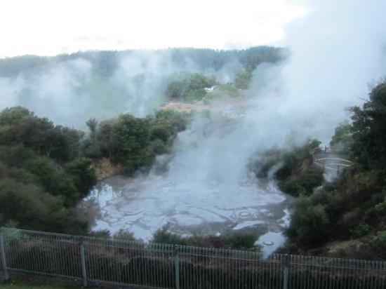 سيلفر أوكس هوتل جيسيرلاند: 部屋から見えるファカレワレワ温泉 