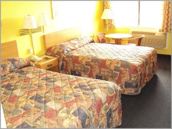 Regency Travel Inn: Guest Room