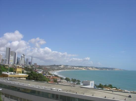 Bamboo Flat: Vista do terraço com à extensão da Praia de Ponta Negra.