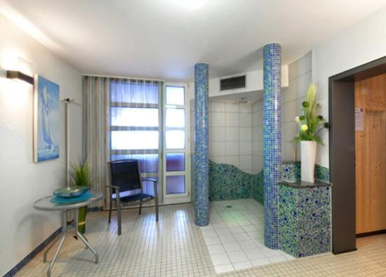 BurgStadt Hotel: Wellness View