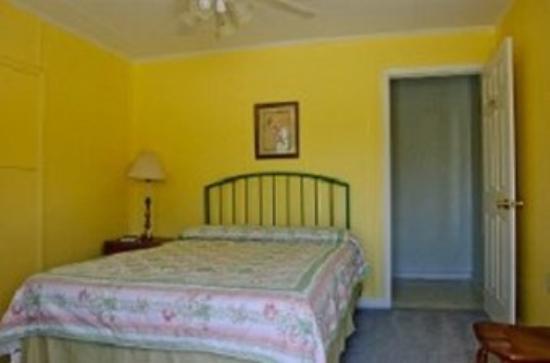 كور كريك لودج: Queen Bedroom