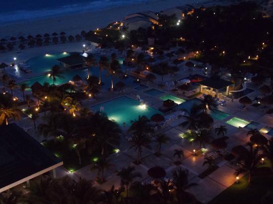 Iberostar Cancun : Night Pool Area from room