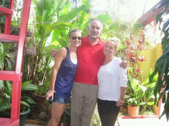 Hotel Pacandé: The Canadians and the owner Jose!!