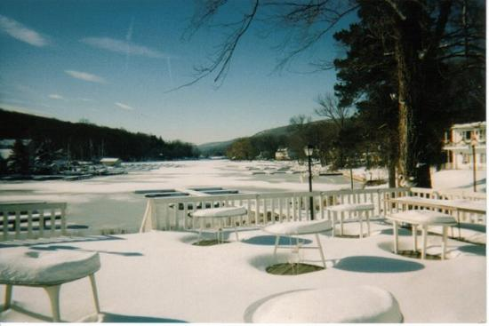 Antons on the Lake Country Inn & Marina: Winter