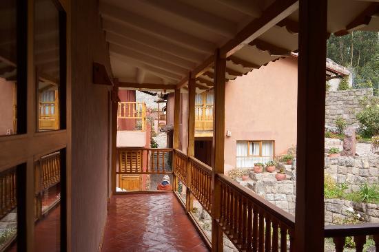 Flying Dog Hostels: Interior balcony